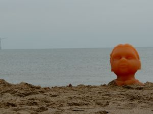 Silicon Head on Skegness Beach Picture